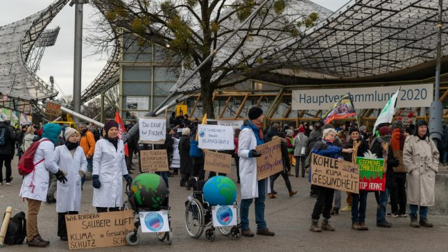 'We'll continue our protests': Environmental activists confront Siemens bosses in Munich