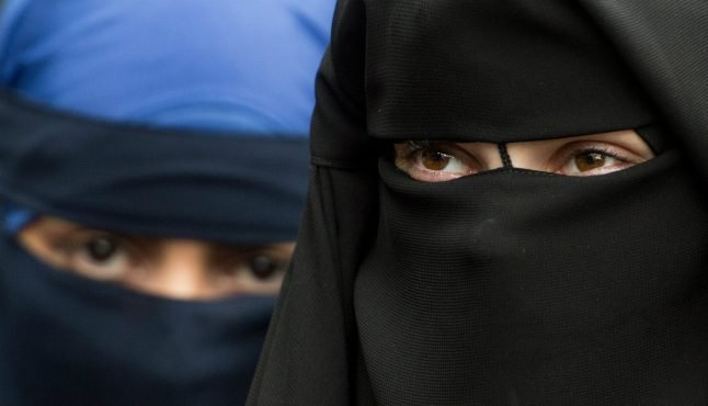 What you need to know about calls to ban full-face veils in German classrooms