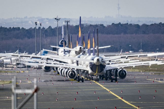 Coronavirus: Lufthansa worries about 'future of aviation' without state aid