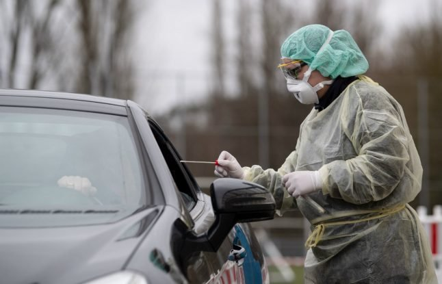 'The car is their safe space': Hesse hospital creates drive-through for coronavirus tests