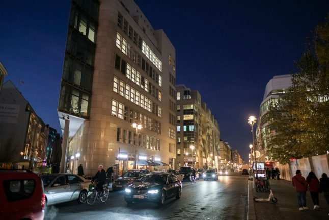 Part of central Berlin set to be closed to traffic for six months
