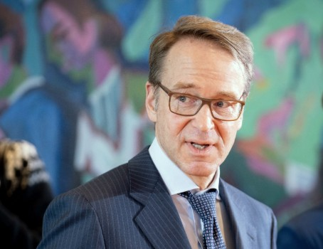 Worst of crisis now behind us, says Germany's chief banker