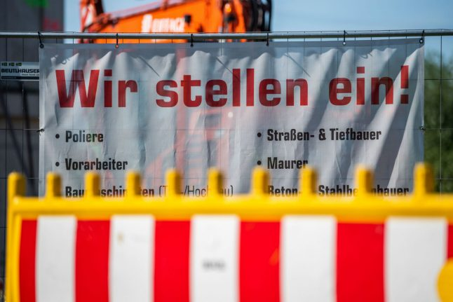 German unemployment rate remains stable as economy takes record plunge