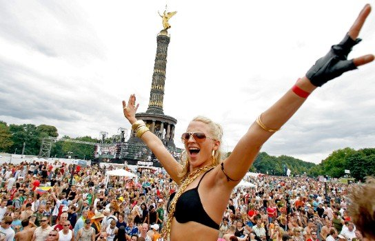 Berlin plans parties in parks and streets to revive techno scene