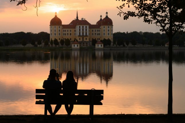 'I come from a coronavirus risk area. How can I visit my partner in Germany?'
