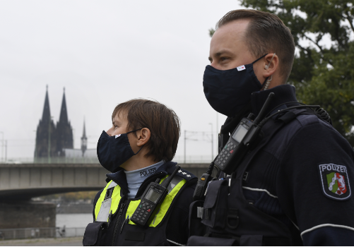 Why reluctance to wear masks is leading to stress for German police forces