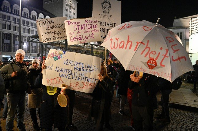 German ministers condemn violence at Leipzig anti-mask protest