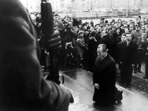 50 years on: Germany pays tribute to iconic 'kneeling'