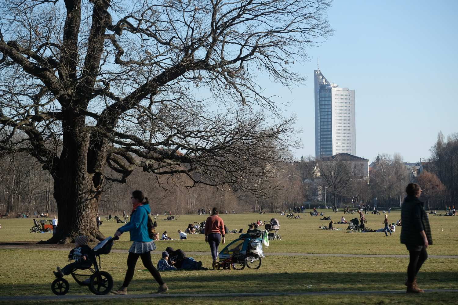 Germany sees temperature rise of record 41.9C in one week
