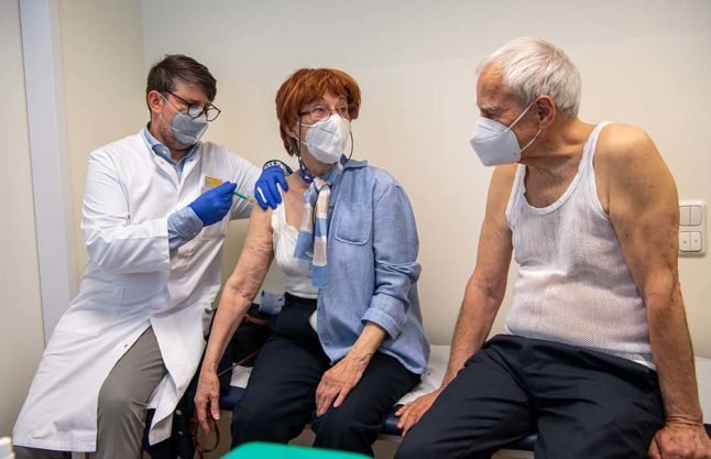 GPs in Germany call for vaccines to be given according to health not age