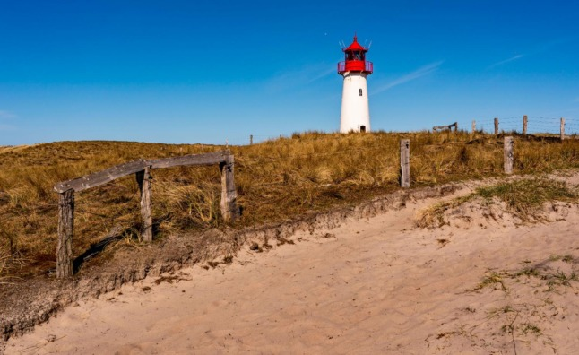 Germany orders more than 300 people into quarantine after Sylt holiday