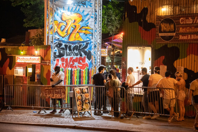 Berlin clubs to reopen on Friday - but only to vaccinated and recovered