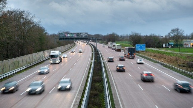 Drivers on the A1 near Bremen. It's possible that a general speed limit will be introduced under a new German government.